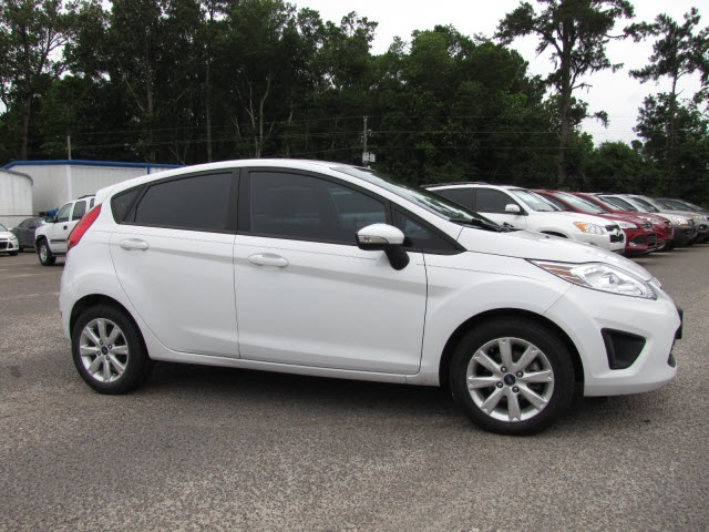 Ford Fiesta 2013 $10978.00 incacar.com