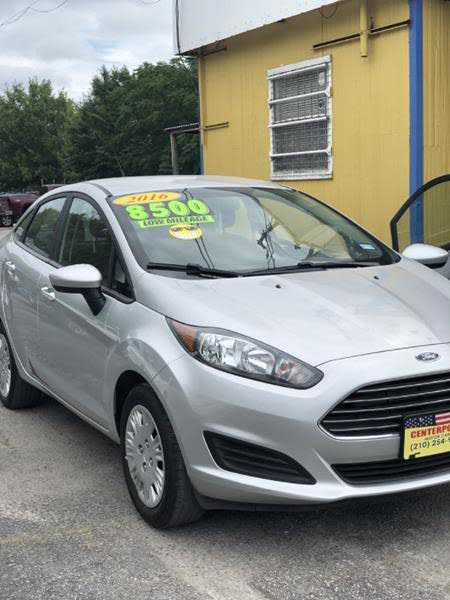 Ford Fiesta 2016 $7800.00 incacar.com