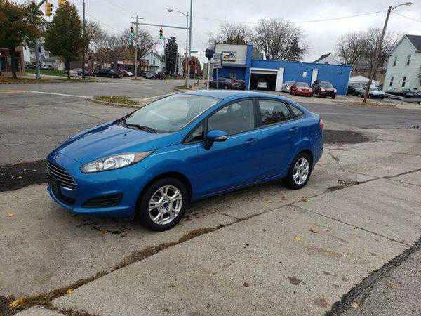 Ford Fiesta 2016 $14995.00 incacar.com
