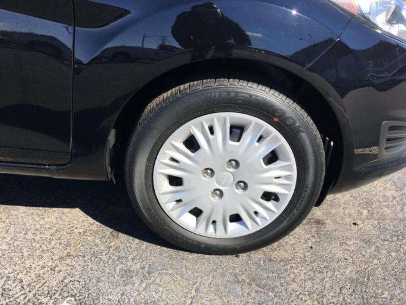 Ford Fiesta 2016 $9950.00 incacar.com