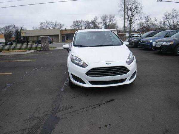 Ford Fiesta 2016 $8499.00 incacar.com