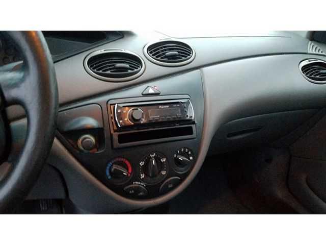 Ford Focus 2001 $1799.00 incacar.com