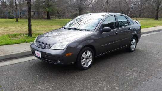 Ford Focus 2006 $5995.00 incacar.com