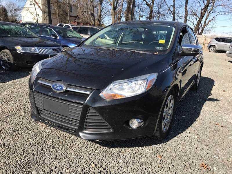 used Ford Focus 2012 vin: 1FAHP3K28CL130079