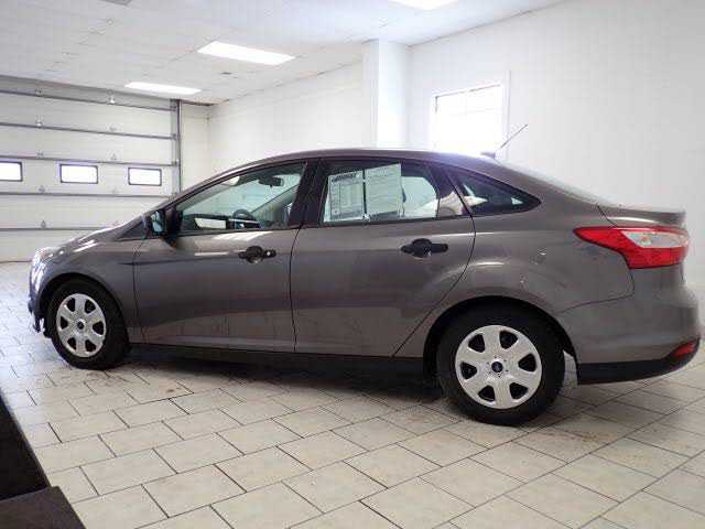 used Ford Focus 2012 vin: 1FAHP3E27CL257272