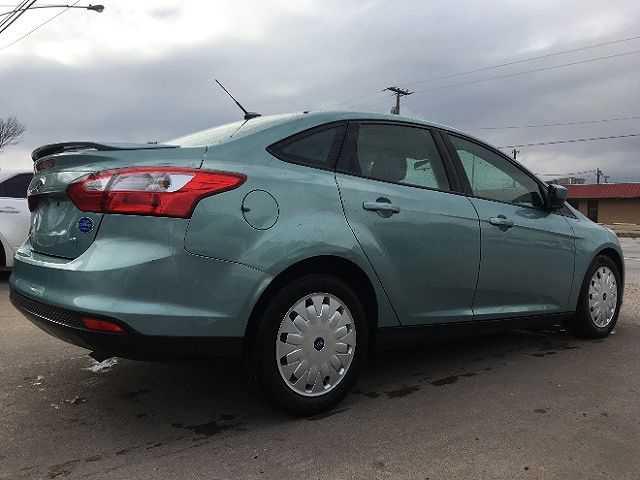 Ford Focus 2012 $2950.00 incacar.com