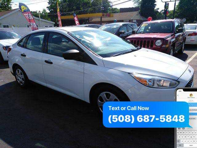 used Ford Focus 2015 vin: 1FADP3E29FL329740