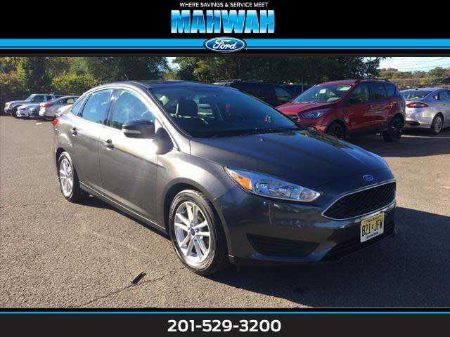 Ford Focus 2015 $9895.00 incacar.com
