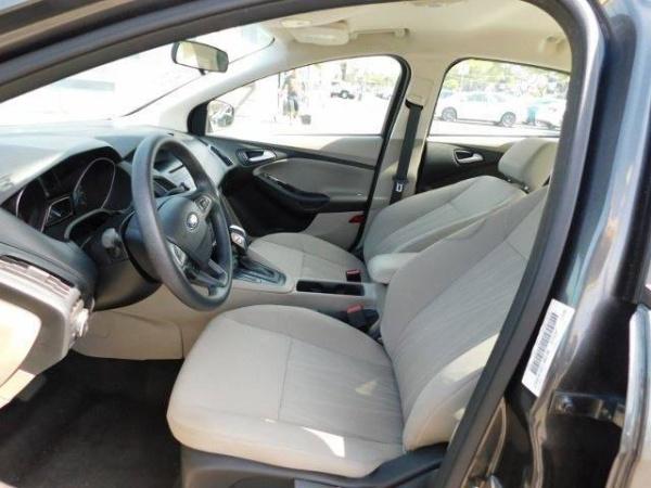 Ford Focus 2015 $10585.00 incacar.com