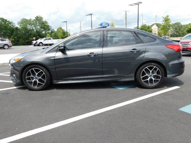 Ford Focus 2016 $11985.00 incacar.com