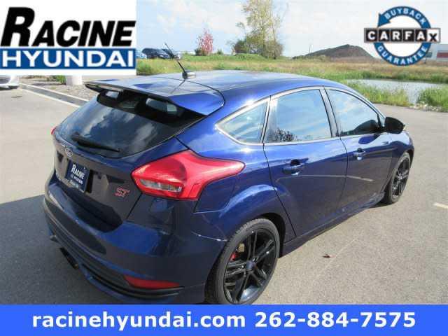 Ford Focus 2016 $13990.00 incacar.com
