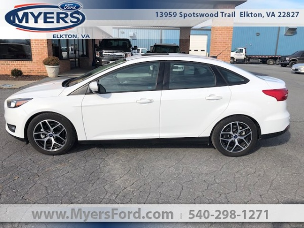 Ford Focus 2017 $15982.00 incacar.com
