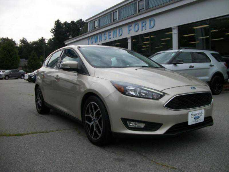 used Ford Focus 2018 vin: 1FADP3M23JL294770