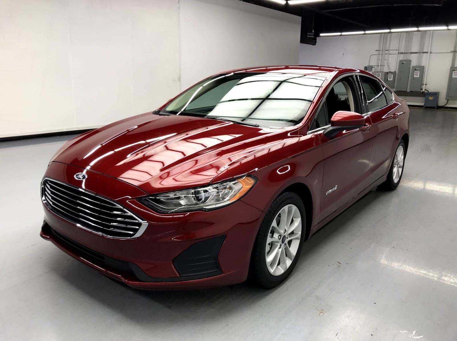 used Ford Fusion Hybrid 2019 vin: 3FA6P0LU6KR126456