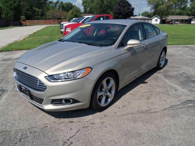 Ford Fusion 2016 $14900.00 incacar.com