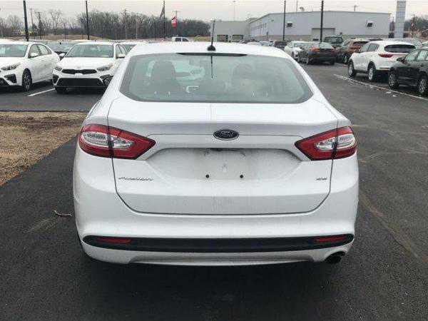 Ford Fusion 2016 $12500.00 incacar.com