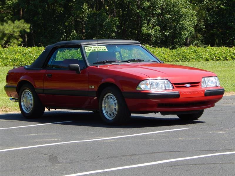 Ford Mustang 1988 $11500.00 incacar.com