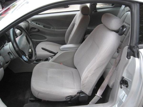 Ford Mustang 2000 $3495.00 incacar.com