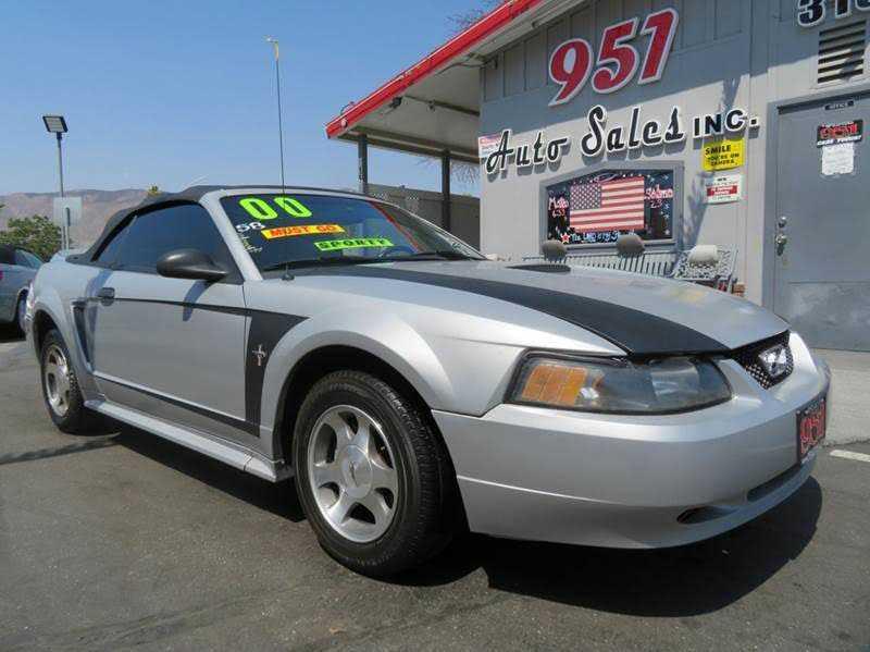 Ford Mustang 2000 $2800.00 incacar.com