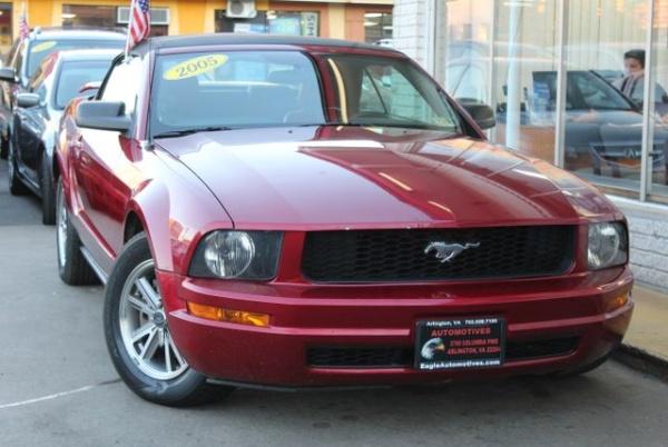 Ford Mustang 2005 $7500.00 incacar.com