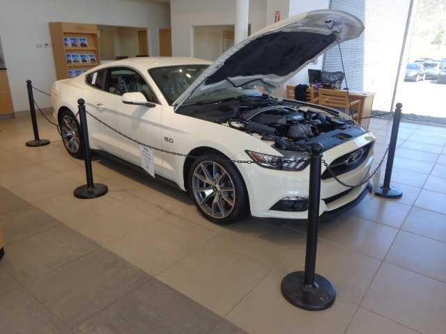 Ford Mustang 2015 $44995.00 incacar.com