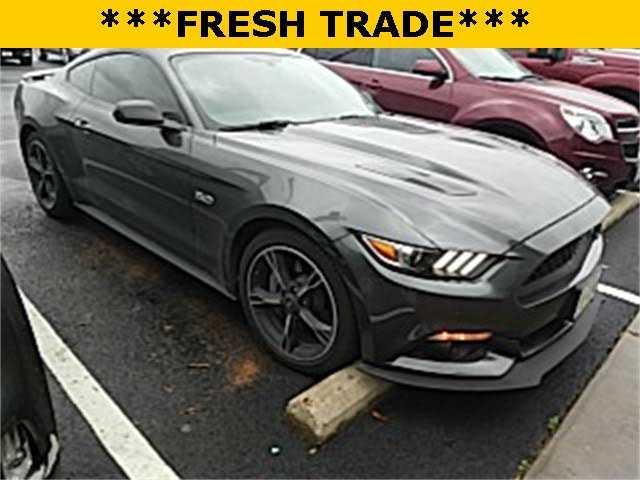 Ford Mustang 2017 $32990.00 incacar.com