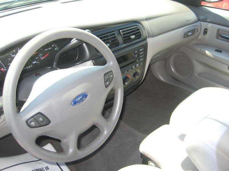 Ford Taurus 2002 $5995.00 incacar.com