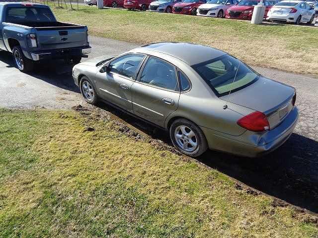 Ford Taurus 2003 $2988.00 incacar.com