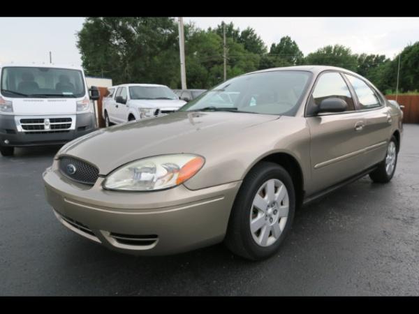 Ford Taurus 2004 $6600.00 incacar.com