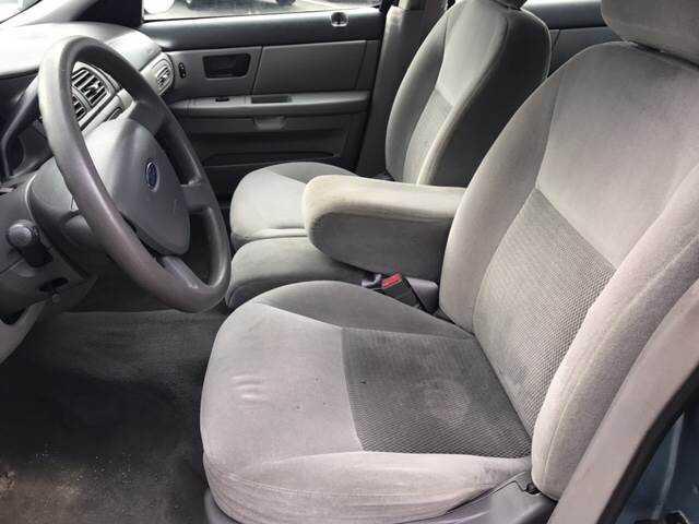 Ford Taurus 2005 $2450.00 incacar.com
