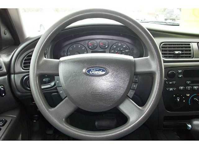 Ford Taurus 2005 $2995.00 incacar.com