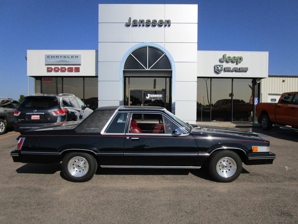Ford Thunderbird 1982 $4999.00 incacar.com