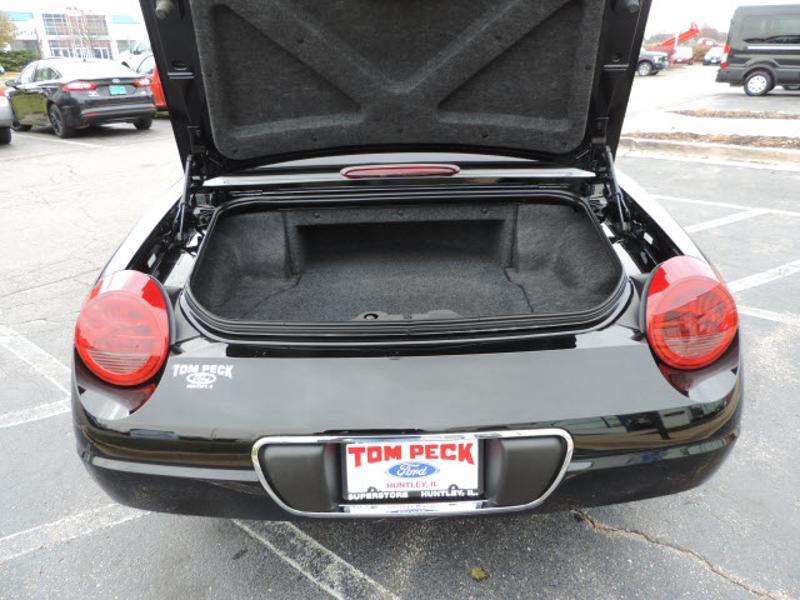 Ford Thunderbird 2002 $18988.00 incacar.com