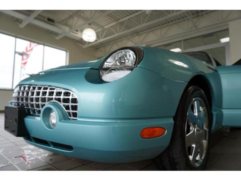 Ford Thunderbird 2002 $24988.00 incacar.com