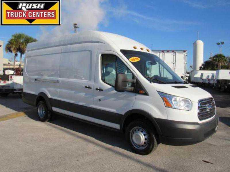 Ford Transit 2015 $19900.00 incacar.com