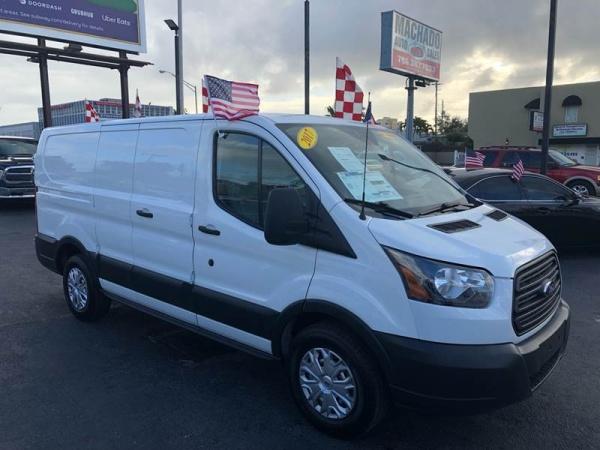 Ford Transit 2017 $15750.00 incacar.com