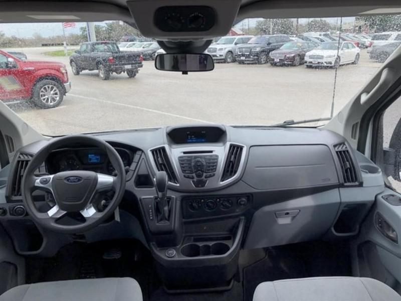 Ford Transit 2018 $25495.00 incacar.com