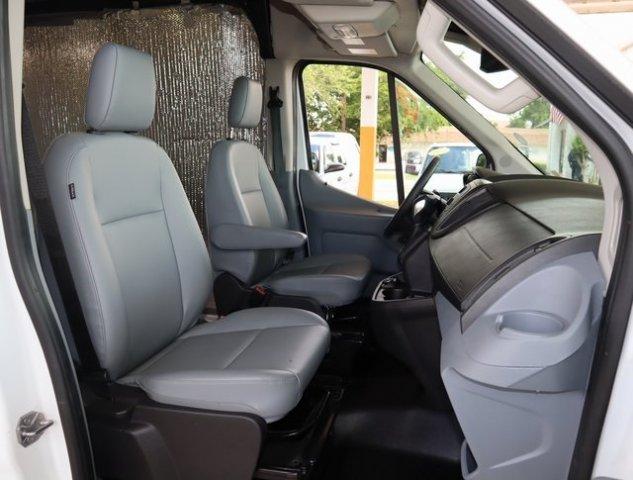 Ford Transit 2018 $28000.00 incacar.com