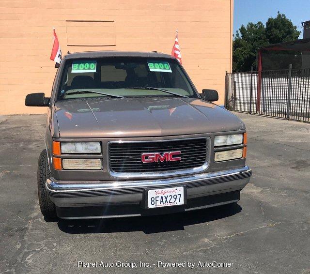 GMC Suburban 1998 $3000.00 incacar.com