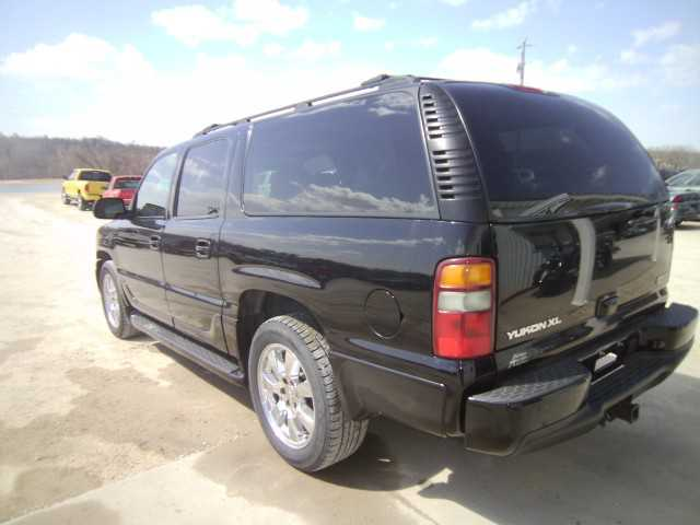 GMC Yukon XL 2003 $5900.00 incacar.com