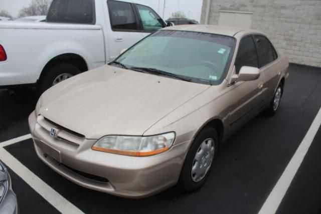 Honda Accord 2000 $2995.00 incacar.com