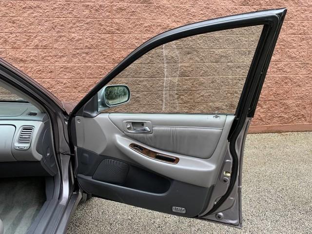 used Honda Accord 2000 vin: 1HGCG1659YA005688