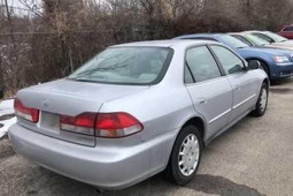 Honda Accord 2002 $2000.00 incacar.com