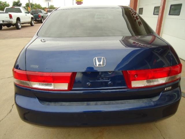 used Honda Accord 2003 vin: 1HGCM663X3A057005