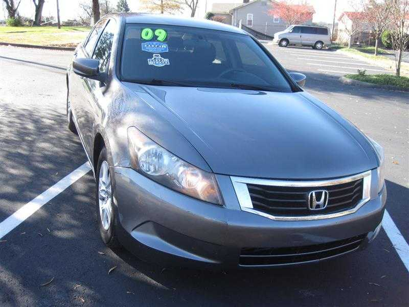 used Honda Accord 2009 vin: JHMCP26419C008049