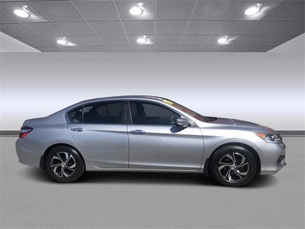 Honda Accord 2017 $12140.00 incacar.com