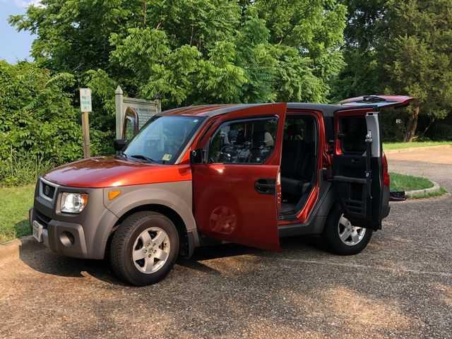 Honda Element 2004 $4000.00 incacar.com