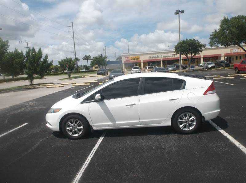 used Honda Insight 2011 vin: JHMZE2H77BS009015