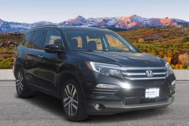 Honda Pilot 2016 $25200.00 incacar.com