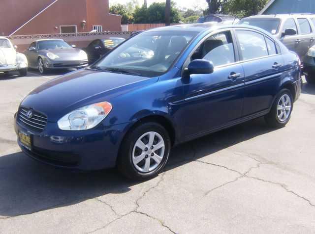 Hyundai Accent 2010 $4900.00 incacar.com